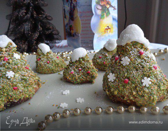 Рождественские елочки из миндального бисквита