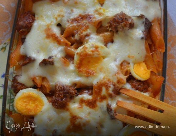 Паста аль форно с колбасками и лисичками