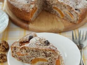 Пирог с абрикосами и орехами