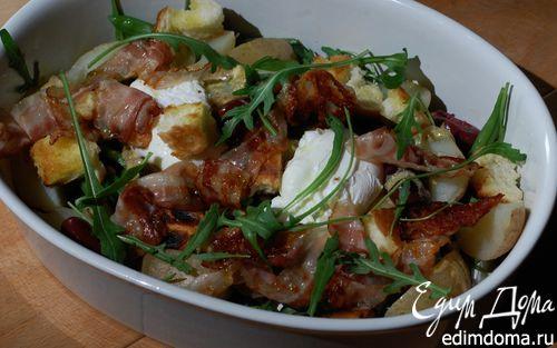 Рецепт Салат с картофелем, беконом, фасолью и яйцами пашот