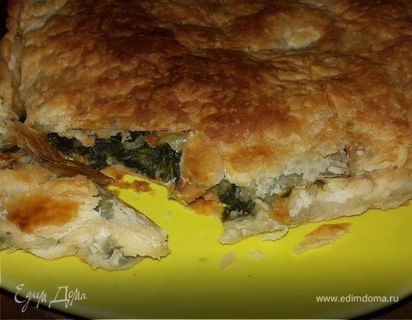 Пироги слоёные со шпинатом, листовой капустой и луком пореем