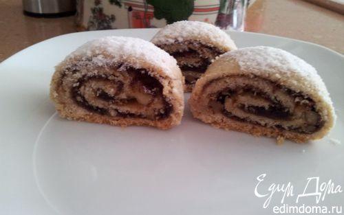 Рецепт Рулет с финиковым наполнителем и орехами