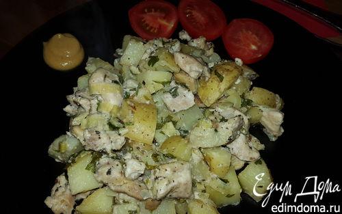 Рецепт Курица, запеченная с молодым картофелем, луком-пореем и сыром лабне