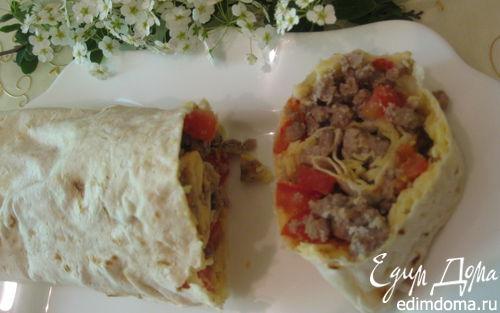Рецепт Рулет из лаваша с помидорами, мясом и сыром