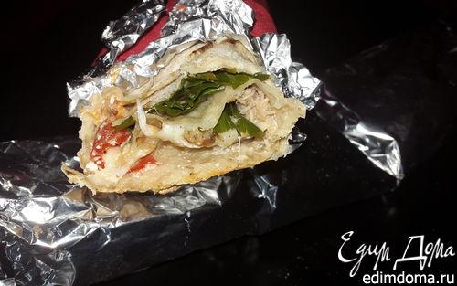 Рецепт Лаваш, запеченный с тунцом, помидорами и сыром