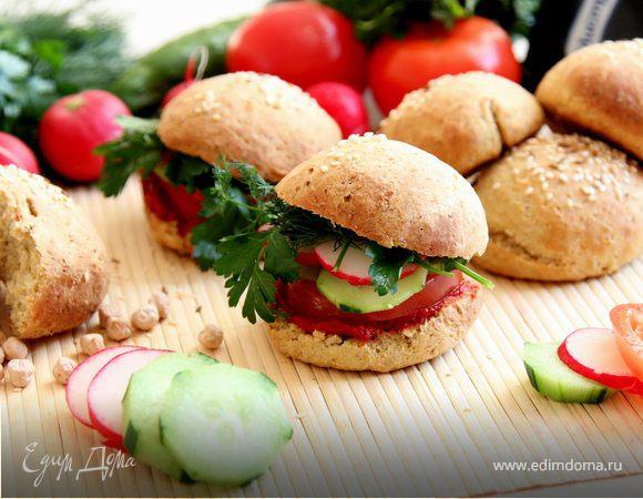 Гамбургеры овощные из нутовых булочек