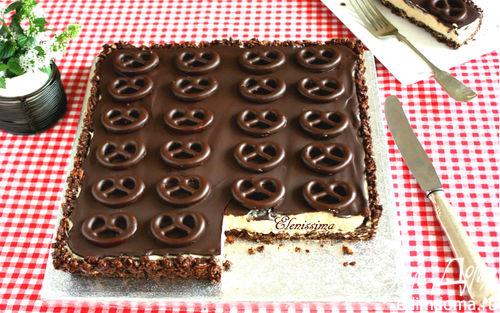 Рецепт – Шоколадный пирог с мини-бретцелями