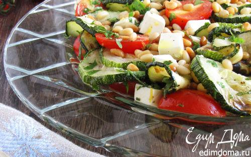 Рецепт теплый салат с цукини, черри и кедровыми орешками