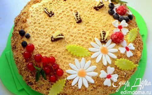 Рецепт Медовик с малиной «Пчелки на лугу»