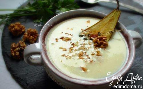 Рецепт Сырный суп с грушей и грецкими орехами