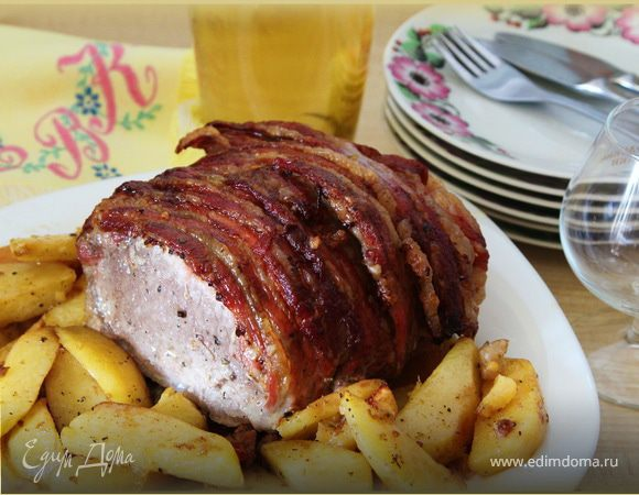 Праздничная свинина в беконе