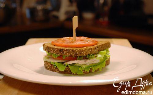Рецепт Сэндвич с отварным куриным филе и овощами