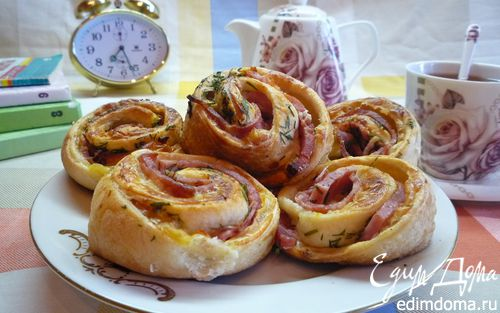 Рецепт Булочки-улитки с ветчиной, сыром и укропом