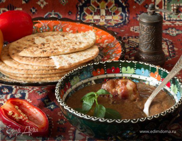 Суп-пюре из фасоли с беконом и черносливом