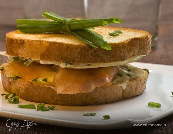 Сэндвич с красной рыбой и сыром «Филадельфия»