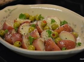 Картофель с базиликом и оливками