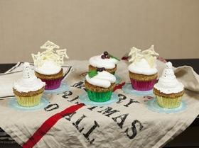 Идеи новогоднего украшения кексов