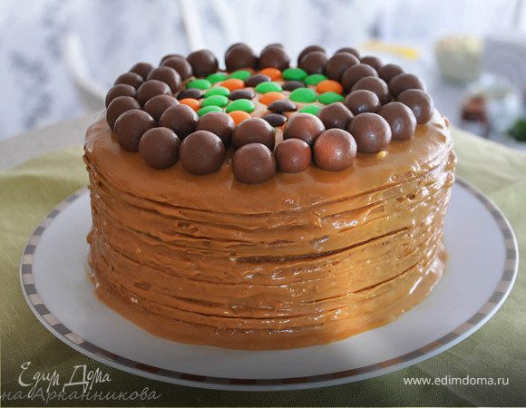 Бисквитный торт с вареной сгущенкой