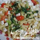 Паста со сливочным соусом из порея и шпината