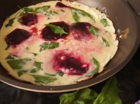 Фриттата со свеклой и шпинатом «Креативный завтрак»