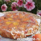 Пирог с абрикосами и карамелью