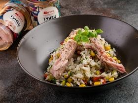 Радужный рис с тунцом