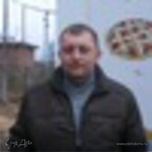 Гриша Комаров