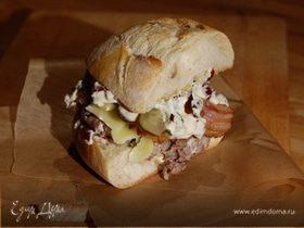 Чизбургер с беконом и дижонским соусом