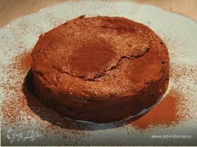Сливочно-шоколадный пирог с миндалем