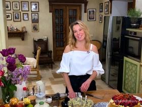 Рецепт домашнего «Наполеона» с ягодами и кремом от Юлии Высоцкой | #сладкоесолёное №86