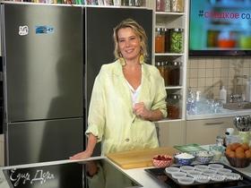 Малиновые капкейки со сливочным кремом от Юлии Высоцкой | #сладкоесолёное №122