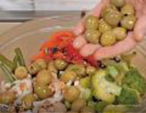 Салат из морепродуктов с овощами
