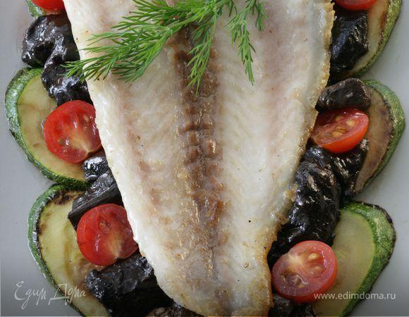 Рыба с белыми грибами, мятой и кабачками
