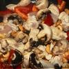 Курица с грибами и кешью