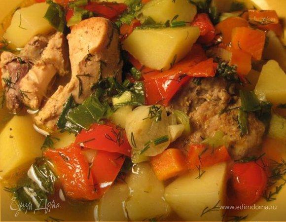 Овощное рагу с курицей и картошкой