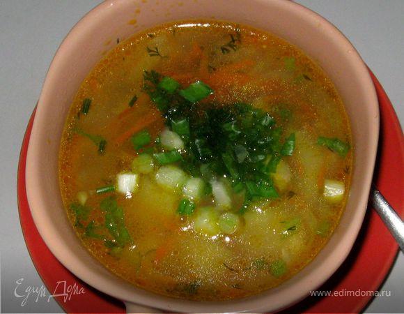 Суп с овсяными хлопьями и маринованным огурчиком