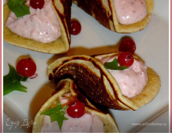 Блинчики арабские (катаеф) с творожно-клубничной начинкой