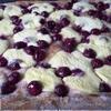 Вишневый пирог со сметаной из дрожжевого теста