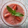 Клубнично-черешневый коктейль с мятой
