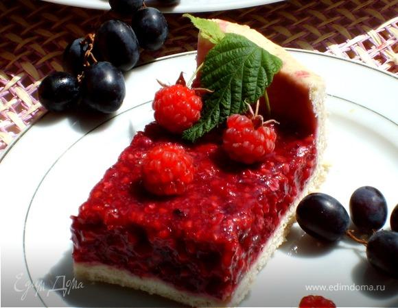 Пирог малиновый с корицей