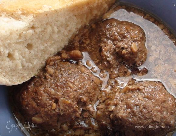 Тефтели с черносливом и грецкими орехами.