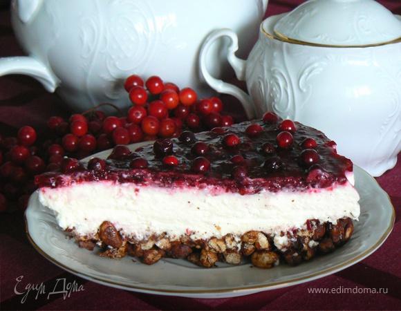 торт с брусникой