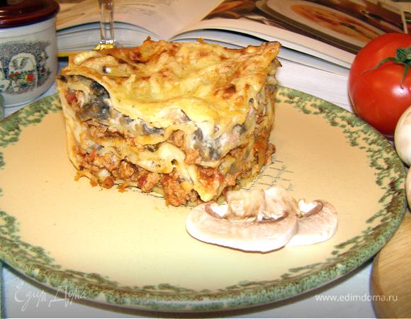 """Лазанья с куриным соусом """"а ля Болоньезе"""" и грибами"""