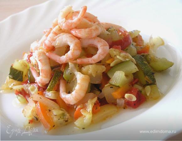 Овощи с креветками и базиликом