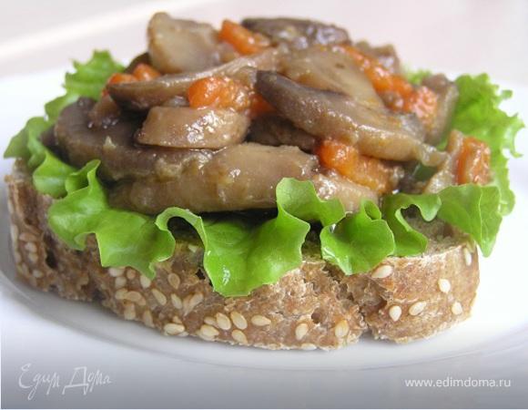 Брускетта с грибами