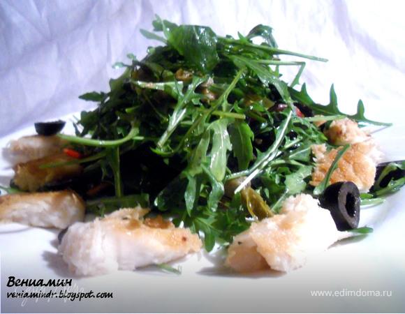 Теплый салат с мясом акулы