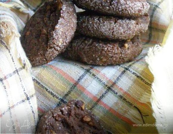 Шоколадное печенье с миндалем