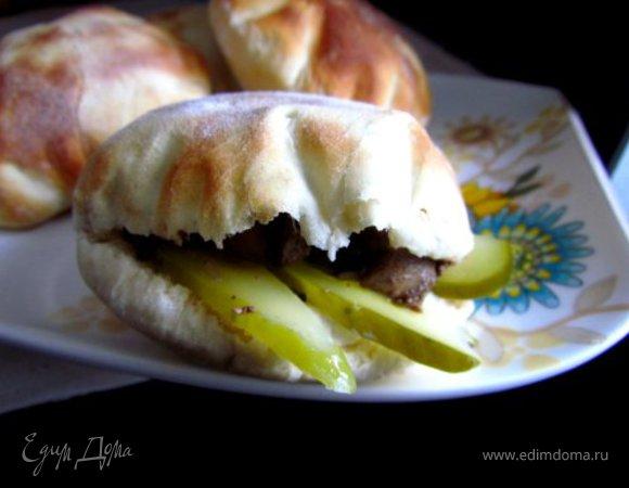 Пита с куриной печенью и сметанно-горчичным соусом