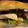 Сэндвич с Моцареллой, грибами и соусом Нисуаз
