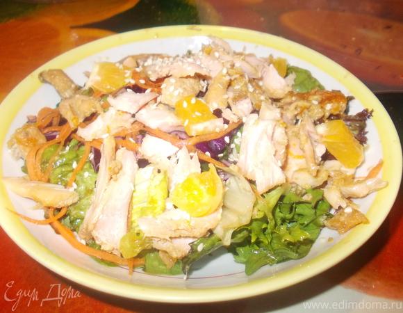 Салат с рыбкой в апельсине